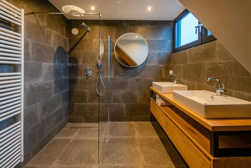 badkamer boven in de villa